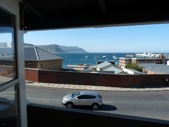 Simon's Town Backpackers: vue  chambre
