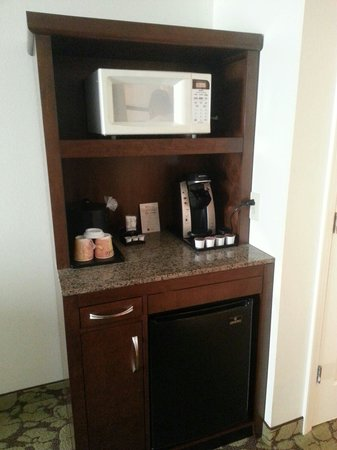 Hilton Garden Inn Lake Buena Vista/Orlando: It wss nice to have a microwave... we didn't use it but the idea was good.