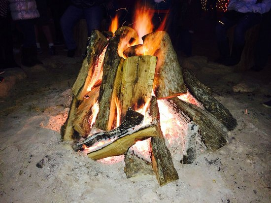 Santa's Wonderland : Never imagined sharing a bonfire with strangers would be a memorable experience