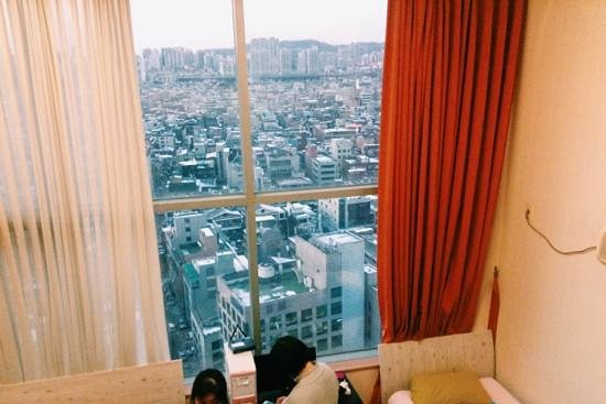 Hongdae Guesthouse: great view of the city from the room