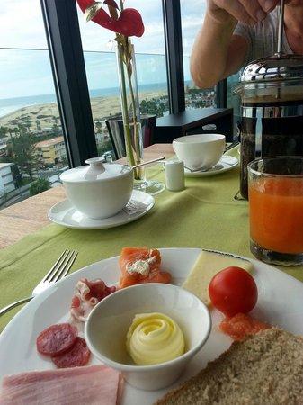 Bohemia Suites & Spa: Frühstück mit toller Aussicht