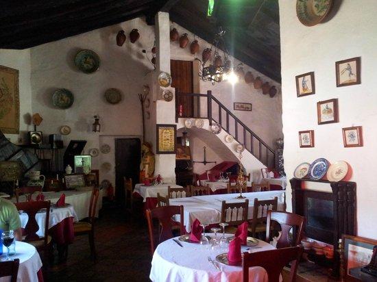La Venta de L'home: vista del interior-restaurante
