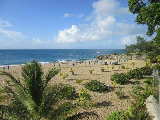 Hotel Sosua Sunrise : Beach down the street from hotel