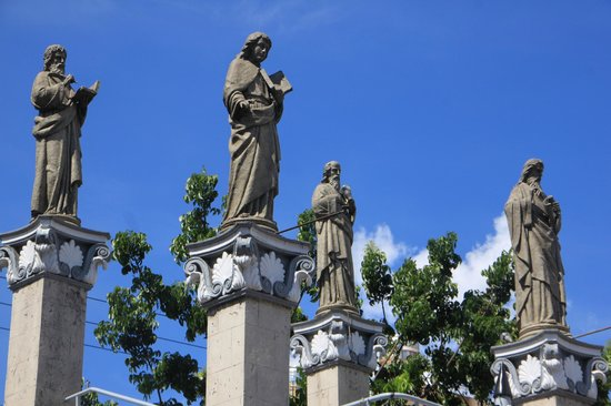 Basilica del Santo Niño: This somehow reminds me of Rome.