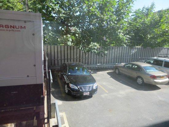 Super 8 Brooklyn- Parking lot