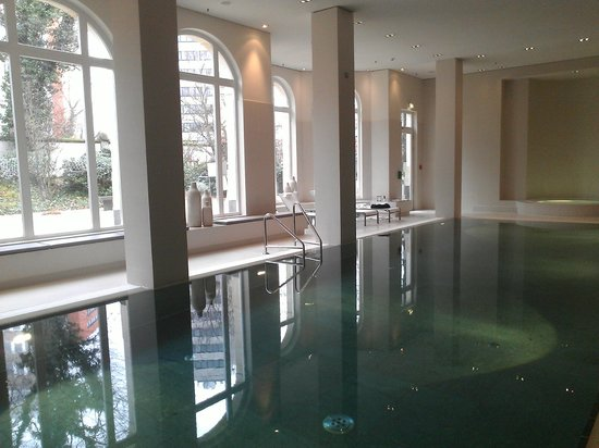 Villa Kennedy: Swimming Pool