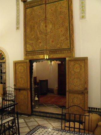 Dar el Bali : Entrée du salon, pièce commune