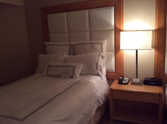 Pan Pacific Vancouver: nice bed
