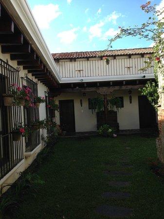 Hotel Sor Juana: Courtyard