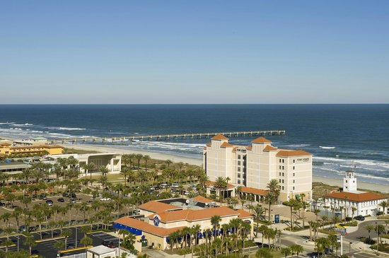 Four Points by Sheraton Jacksonville Beachfront: Aerial View of Hotel and Beach