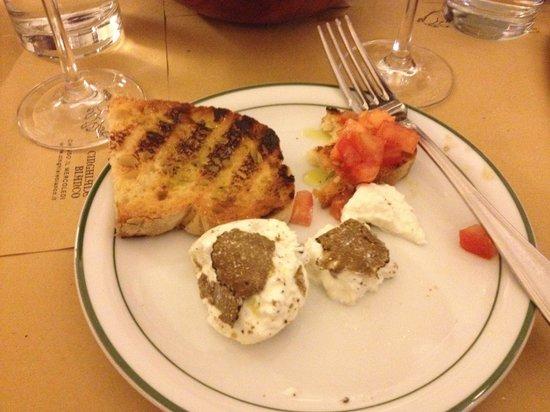 Osteria del Cinghiale Bianco : Burrata