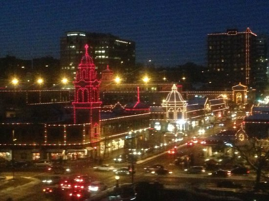 The Raphael Hotel, Autograph Collection : View from suite of holiday lights in Country Club Plaza