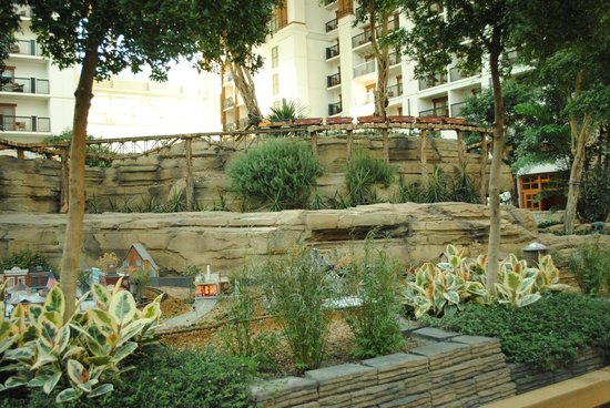 Gaylord Texan Resort & Convention Center: Decors