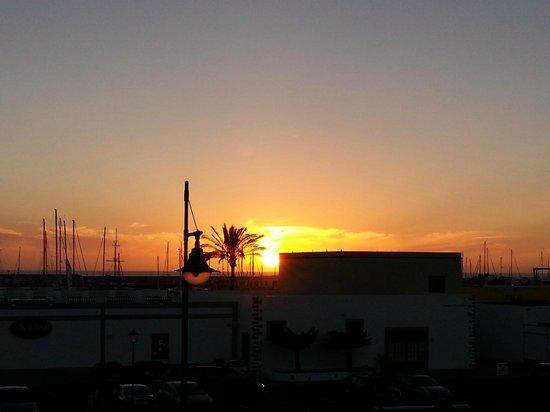 Rubimar Suite ApartHotel : Sunset from balcony