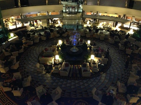 Calista Luxury Resort: Lobby  at night