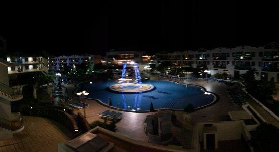 Rubimar Suite Aparthotel at night