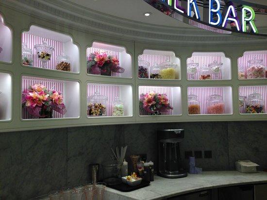 Decor picture of harrod s ice cream parlour london