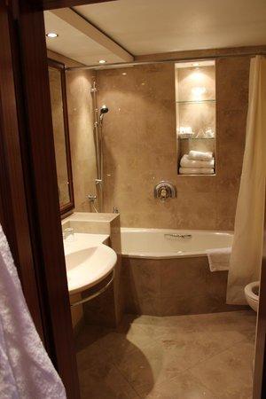 Louren Hotel: Чисто, красиво, уютно!