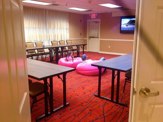 Residence Inn Atlanta Alpharetta/North Point Mall: Our special movie time