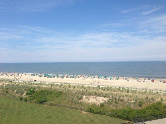 Sea Colony Resort: Beach View from Chesapeake 5th floor room