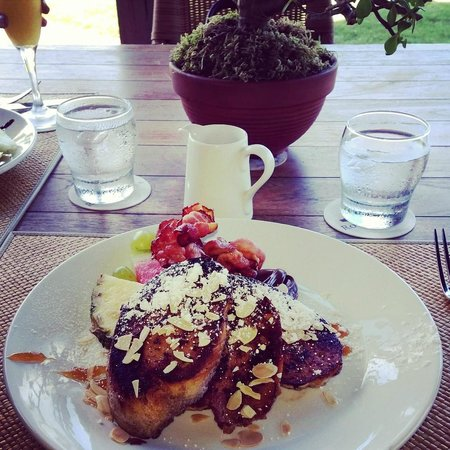 Restaurant at La Casa at Royal Isabela: Amaretto French Toast