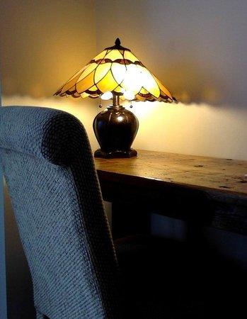 LakeStar Lodge: Pretty and elegant renovation job.