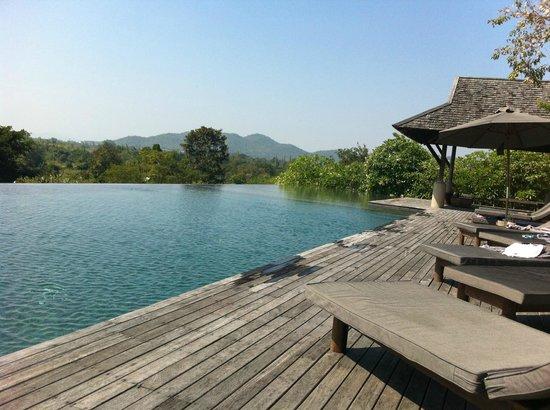 GUTI Resort by AKA: Infinity Pool