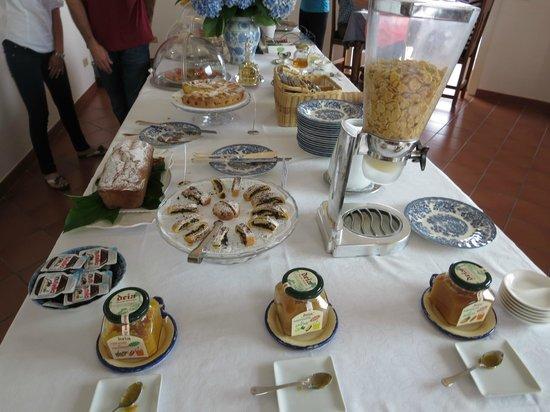 Villa Oriana Relais: Breakfast!
