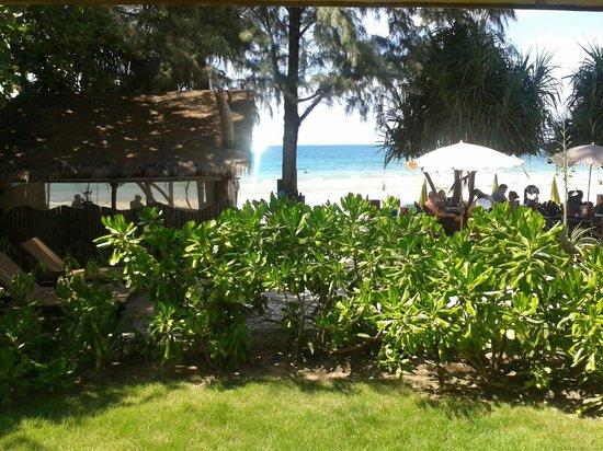Lanta Castaway Beach Resort: Ausblick aus dem Beachcomber - und es lohnt sich doch! :-)