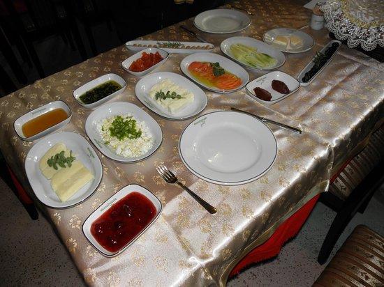 StoneHouse ByIpek FarmHouse: Breakfast