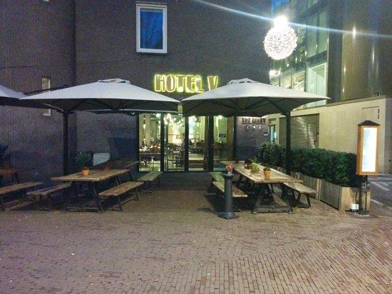 The Lobby Nesplein Restaurant & Bar: back enterance