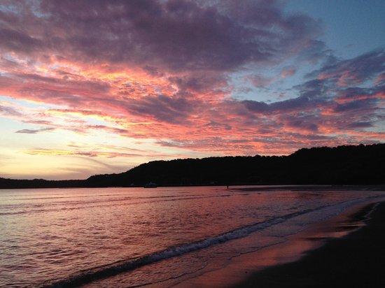 Allegro Papagayo : sunset at Snake Bay