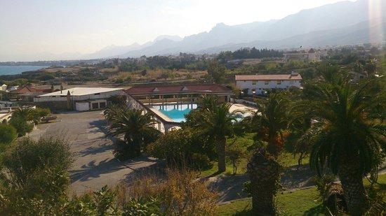 Denizkizi & Denizkizi Royal Hotel: Pool von Terrasse