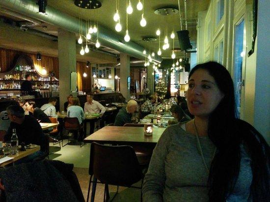 The Lobby Nesplein Restaurant & Bar: inside space