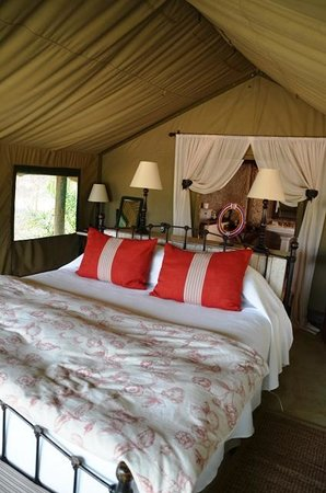 Tanda Tula Safari Camp: Main Tent View