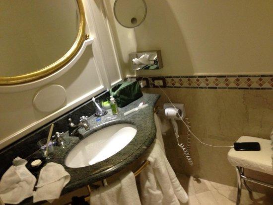 Sofitel Rome Villa Borghese: Sink.