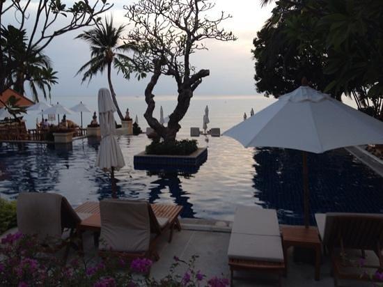 Renaissance Koh Samui Resort & Spa: Die wundervolle Poolanlage