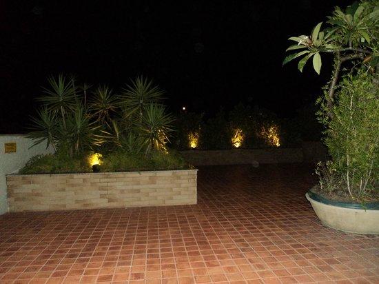Verdegreen Hotel: Terraço com vista para praia
