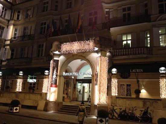 Parkhotel Laurin: ingresso hotel