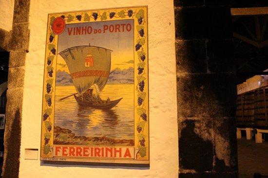 Ferreira Cellars : decoração da cave