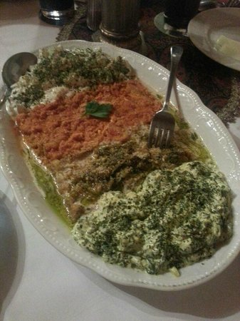Fladenbrot picture of persian restaurant stuttgart for Ahmads persian cuisine