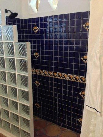 Windjammer Landing Villa Beach Resort : Shower