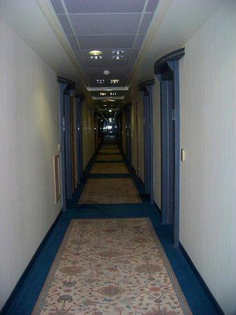 Le Manhattan Hotel