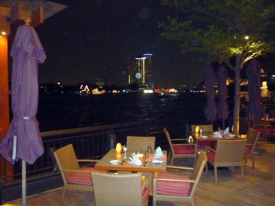 Shangri-La Hotel,Bangkok : Breakfast/dining area