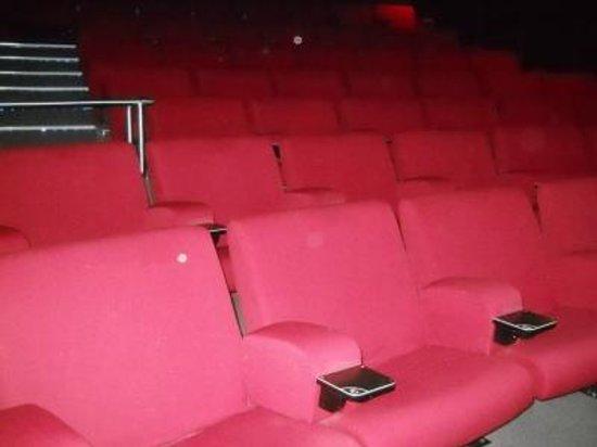 Fiordland Cinema : Luxurious Seating!