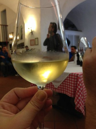 Antiqua Tours: Wine, Cultural and Culinary Experiences: wine expert Ettore