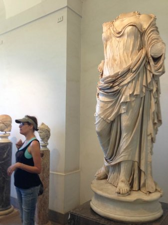 Antiqua Tours: Wine, Cultural and Culinary Experiences: Sarah in the Palatine