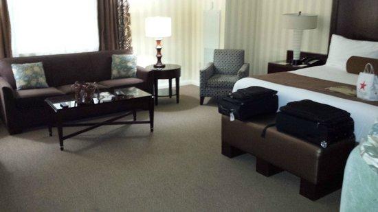 Eldorado Resort Casino : Spacious and spotless room
