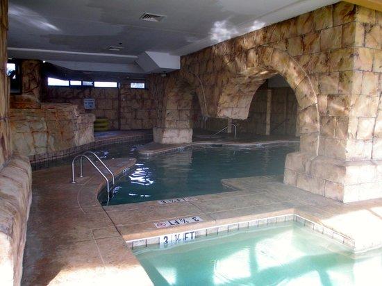 Island Vista: Indoor pool area