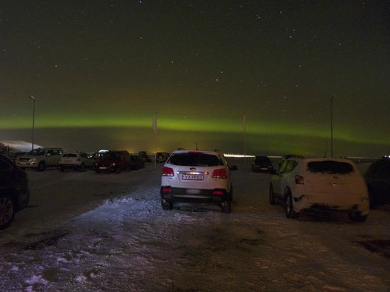 Hotel Ranga : Northern lights from the parking lot.